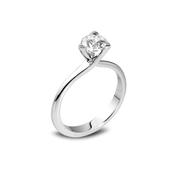 3 Claw Engagement Ring